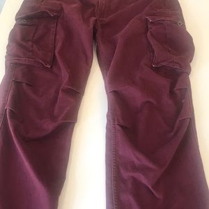 Men's Levi's Burgundy cargo pants sz 38/32